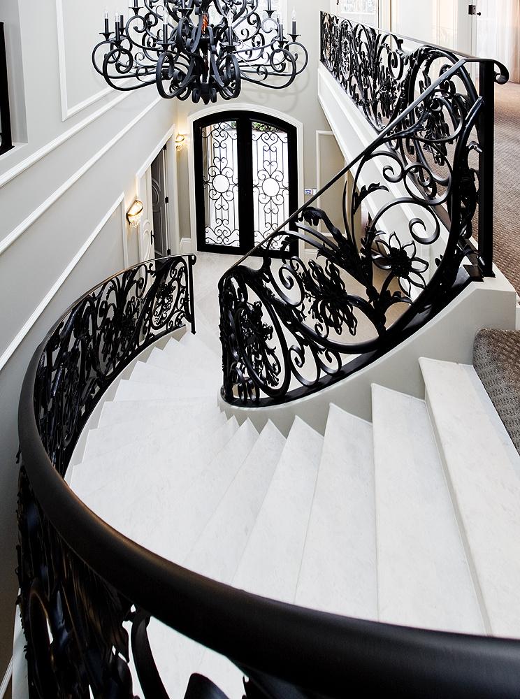 http://www.getset.com.au/wp-content/uploads/2018/10/centre_stairs.jpg