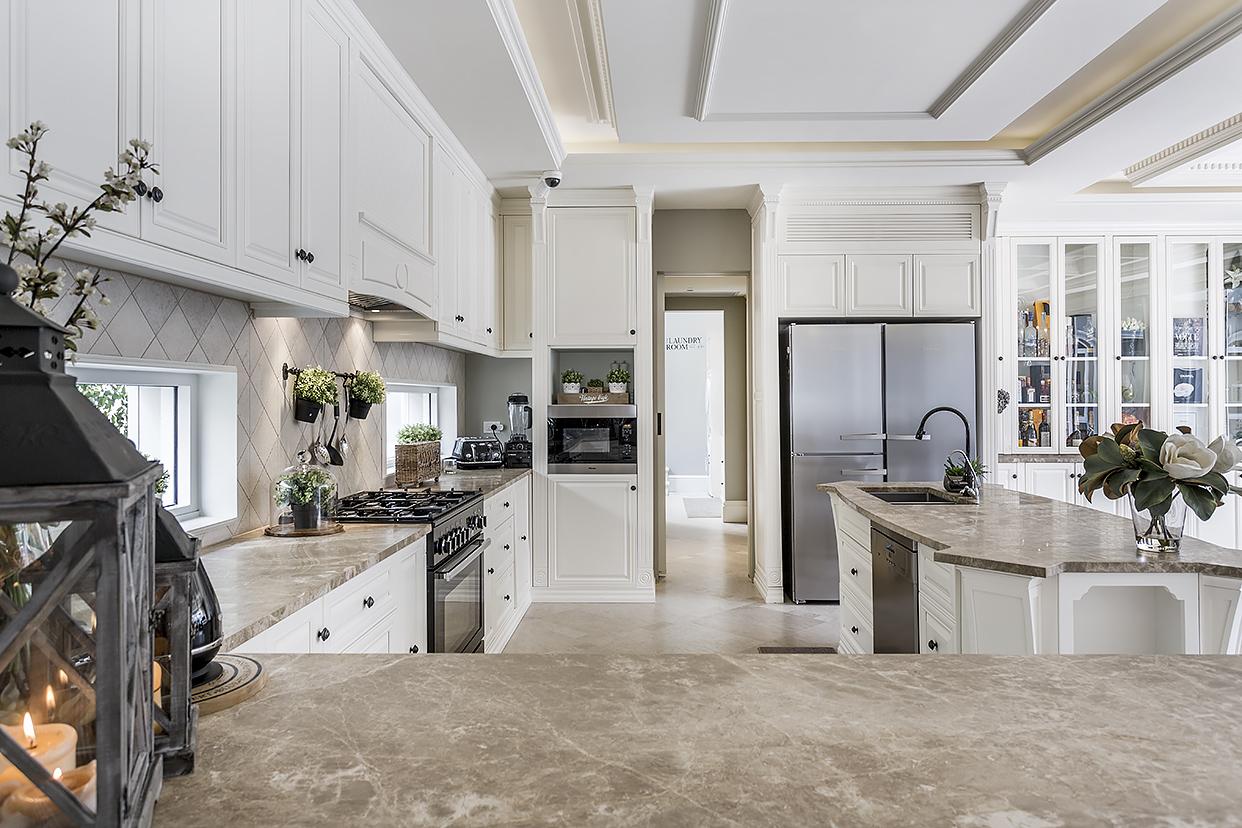 https://www.getset.com.au/wp-content/uploads/2018/10/kitchen2.jpg